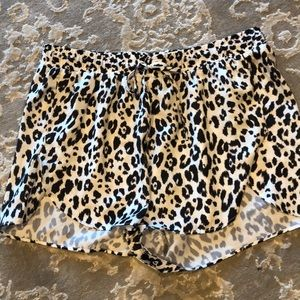 Leopard silk shorts